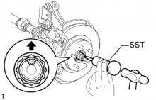 Передний приводной вал в сборе (для привода на одну ось) СНЯТИЕ